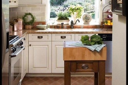 small traditional kitchen designs