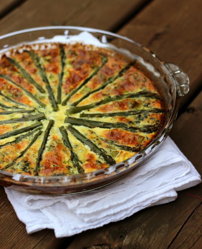 Crustless Asparagus Quiche with Mushrooms and Spinach