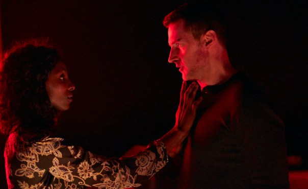 """HANNIBAL -- """"...and the Beast from the Sea"""" Episode 311 -- Pictured: (l-r) Rutina Wesley as Reba McClane, Richard Armitage as Francis Dolarhyde -- (Photo by: Sophie Giraud/NBC)"""