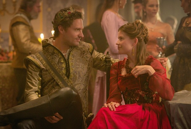 """Reign -- """"Extreme Measures"""" -- Image Number: RE303b_0069.jpg -- Pictured: Ben Aldridge as Antoine -- Photo: Sven Frenzel/The CW -- © 2015 The CW Network, LLC. All rights reserved."""