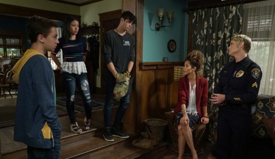 "TV Review: The Fosters 4x02 ""Safe"""