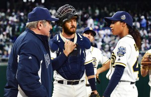 PITCH: L-R: Dan Lauria, Mark-Paul Gosselaar and Kylie Bunbury in PITCH coming soon to FOX.  ©2016 Fox Broadcasting Co. Cr:  Ray Mickshaw / FOX