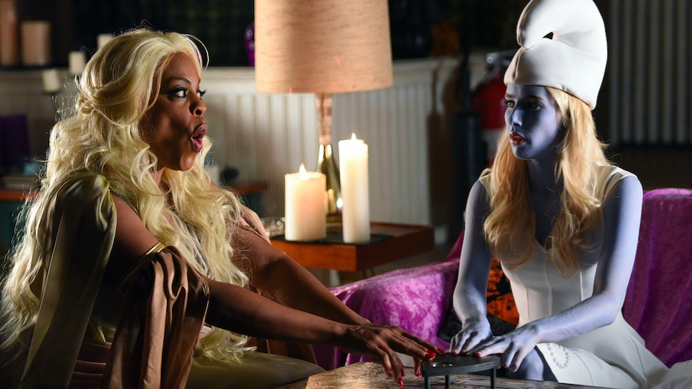 "TV Review: Scream Queens 2x04 ""Halloween Blues"""