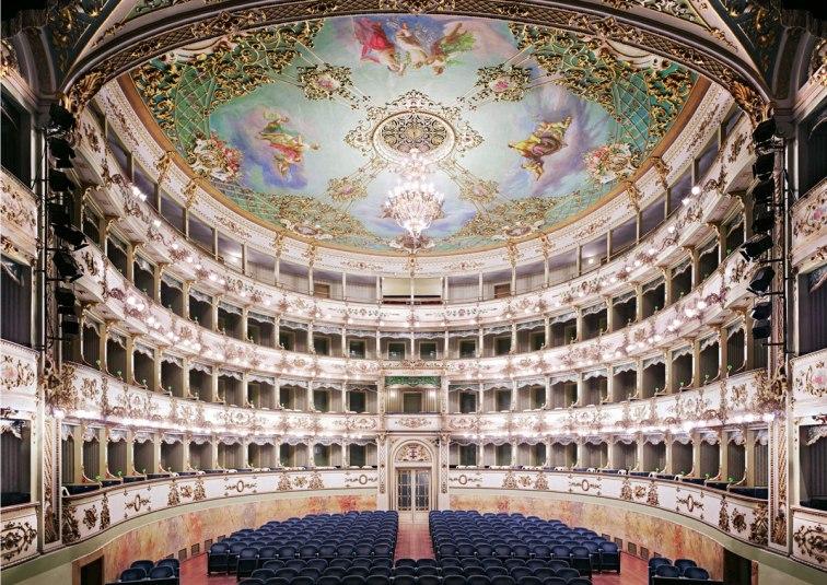 Candida Höfer Teatro Comunale di Carpi I 2011