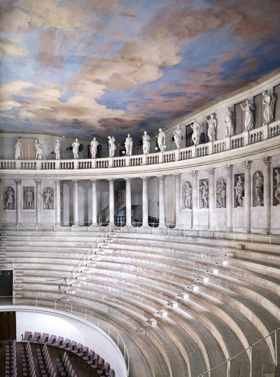 Candida Höfer Teatro Olimpico Vicenza III 2010