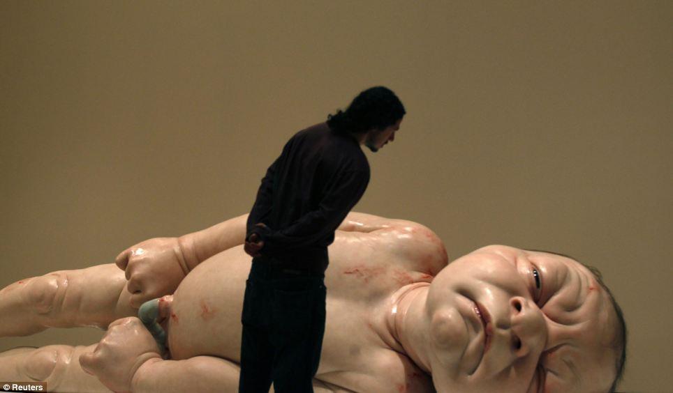 Ron Mueck - Big Baby II