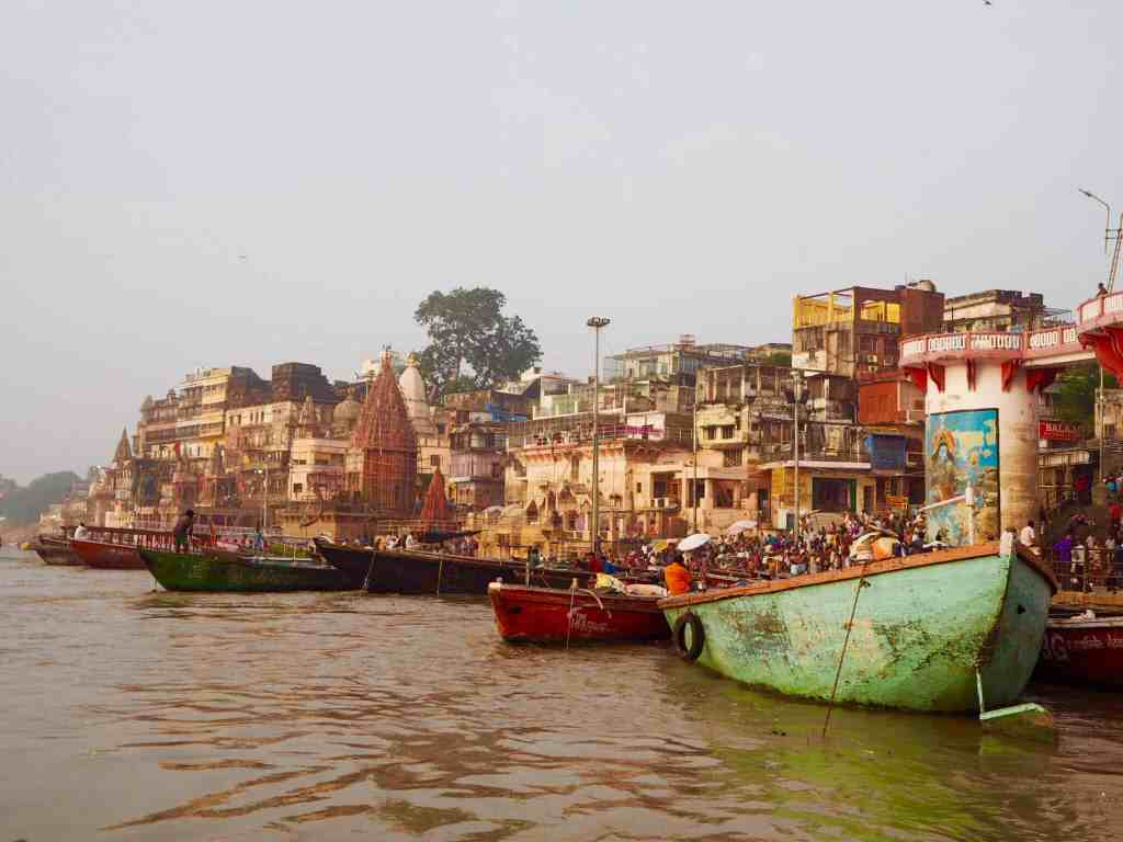 WHAT IT'S LIKE VISITING THE VARANASI CREMATION GHATS