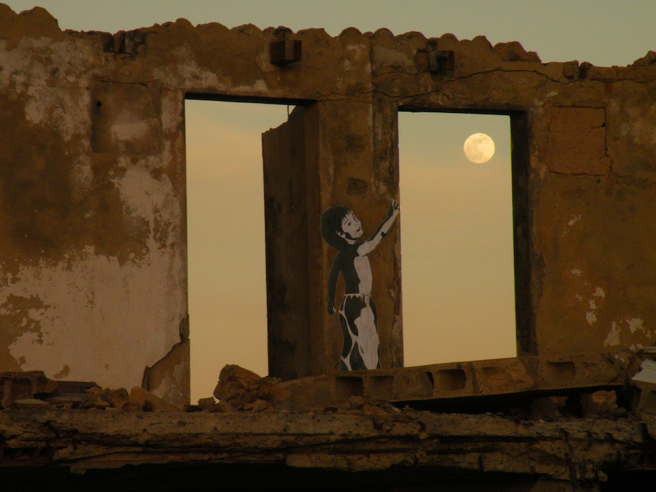 9. MATIAS, THE MOON AND THE SEA