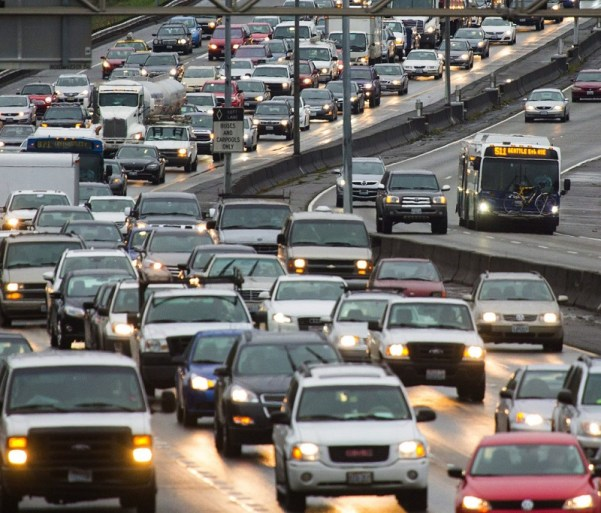Southbound traffic along Interstate 5 crawls toward downtown Seattle past Northgate on Wednesday morning. An earlier accident at Mercer Street created a backup from Lynnwood south to Seattle. (Mike Siegel / The Seattle Times)