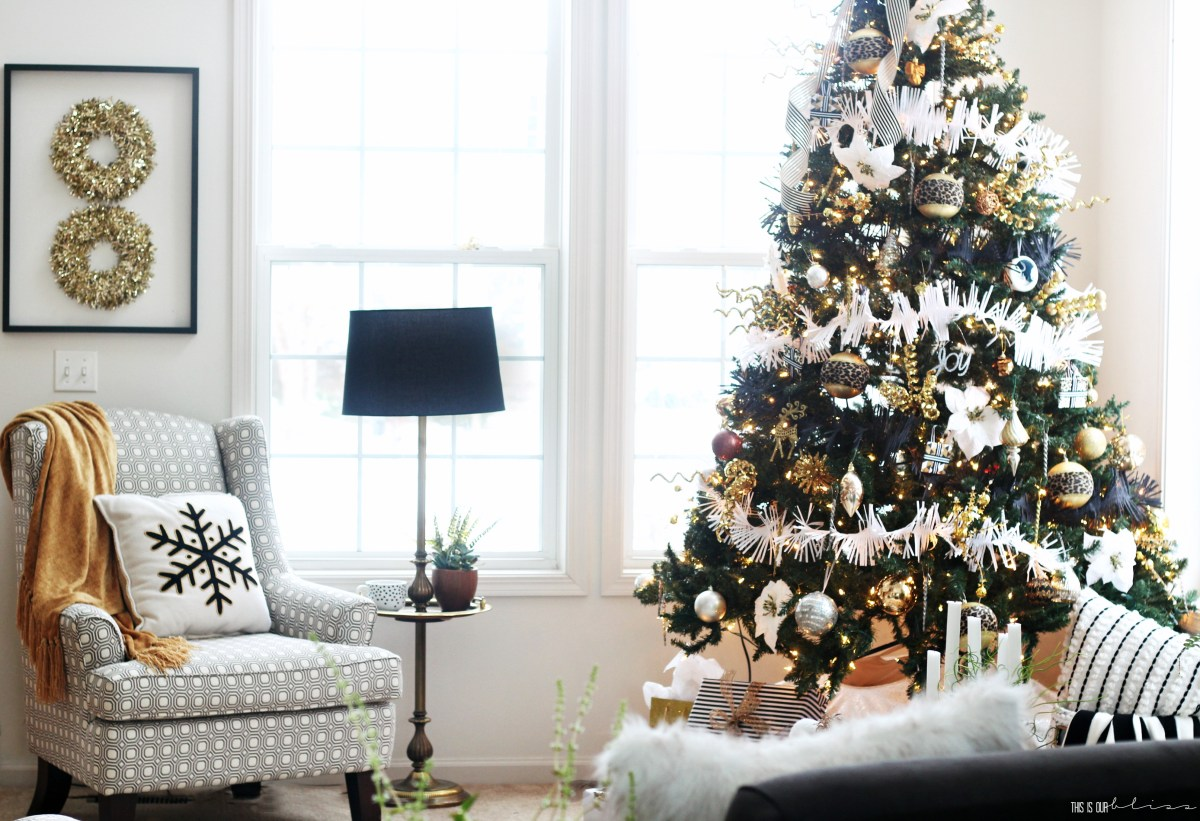 Bold Neutral Glam Christmas Tree in the Living Room