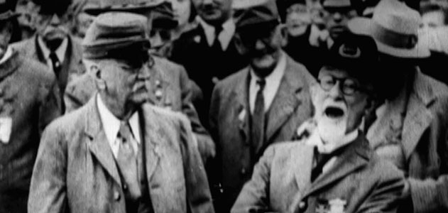"""A aging Confederate veteran demonstrates the famous """"rebel yell"""" at a reunion in 1930."""