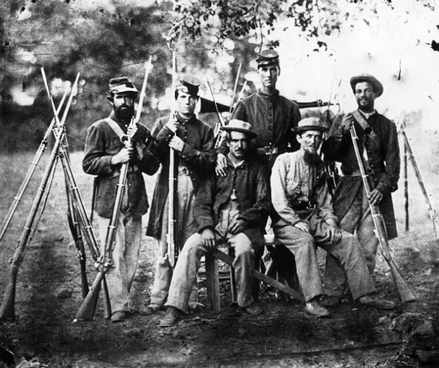 The last veteran of the Civil War was Albert Woolson of Minnesota. He was an artilleryman with the Union army. The last surviving Confederate was a matter of fierce debate in the 1950s.