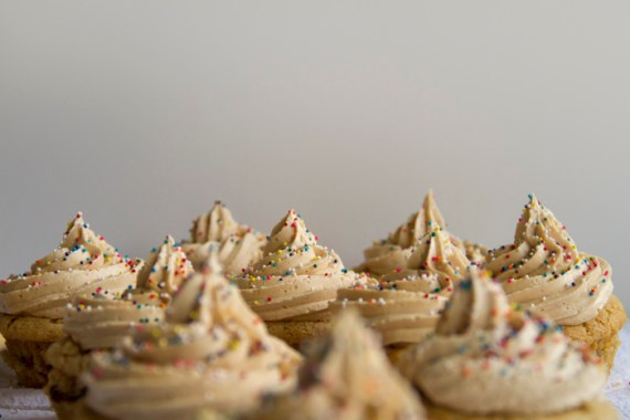peanut-butter-and-jelly-cupcakes-05