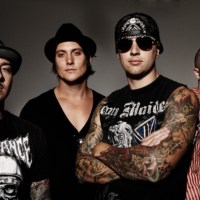 Avenged Sevenfold Lets Fan Play Drums During Concert