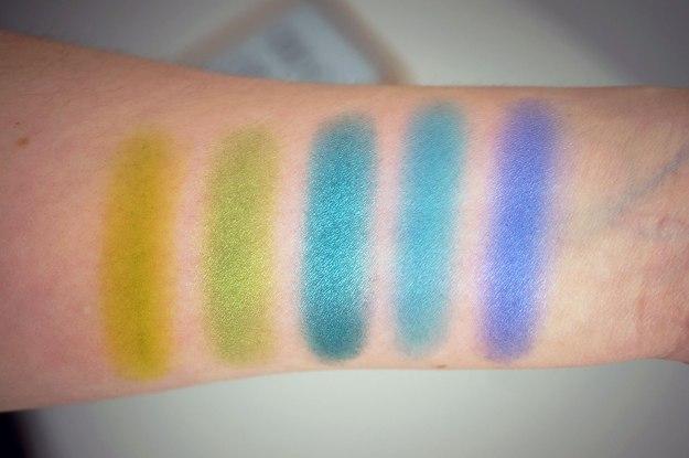 Intensissimi-eyeshadow-palette-swatches-2