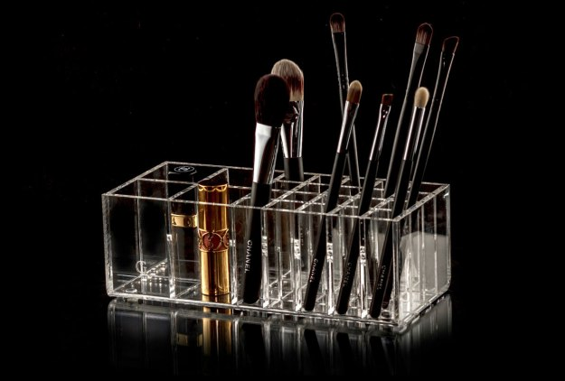 glamourliving-brush-tidy