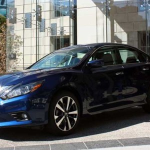 2016 Nissan Altima SR Model Comes With 39 Mpg