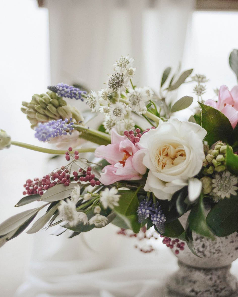 Spring Centrepiece with tulips and muscari