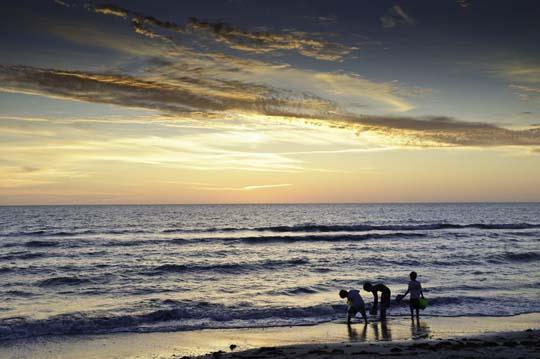 pelican-bay-sunset-18.jpg