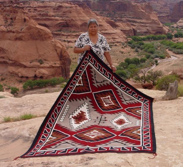 1279-Bitsie-Style-Navajo-Weaving-600x546