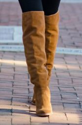 1-what-to-wear-with-brown-shoes-and-black-leggings-1