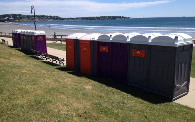 Throne Depot at the beach