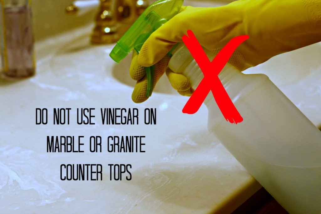 How To Clean Your Bathroom Faster With Vinegar