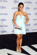edd649118813246 Ariana Grande attends the Justin Bieber Never Say Never Premiere in L.A, Feb 8