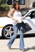 c5759292882921 Sofia Vergara shops at Barneys New York in Beverly Hills, Aug 12, 2010