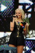 50ce7287306919 Pixie Lott performs at T4 On  The Beach in Weston super Mare, UK, Jul 4, 2010