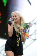 c515be87306903 Pixie Lott performs at T4 On  The Beach in Weston super Mare, UK, Jul 4, 2010