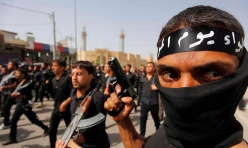 Estado Islâmico ameaça Donald Trump em novo vídeo: Pedimos a Alá que promova sua destruição