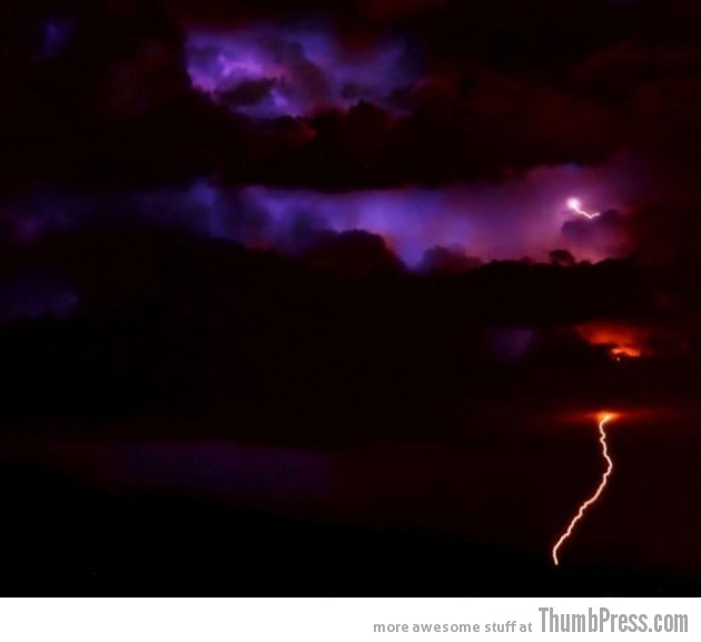 Lightning Thumbpress 1 630x577 Horrifying Lightning Storm Over Albuquerque, New Mexico