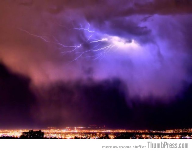Lightning Thumbpress 12 630x498 Horrifying Lightning Storm Over Albuquerque, New Mexico