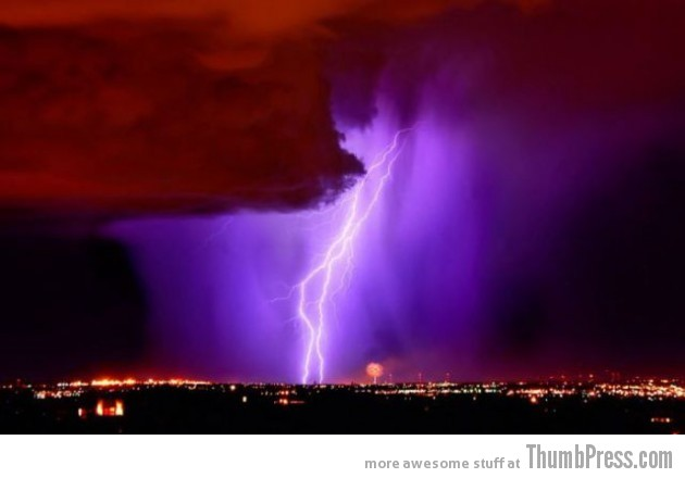 Lightning Thumbpress 35 630x440 Horrifying Lightning Storm Over Albuquerque, New Mexico
