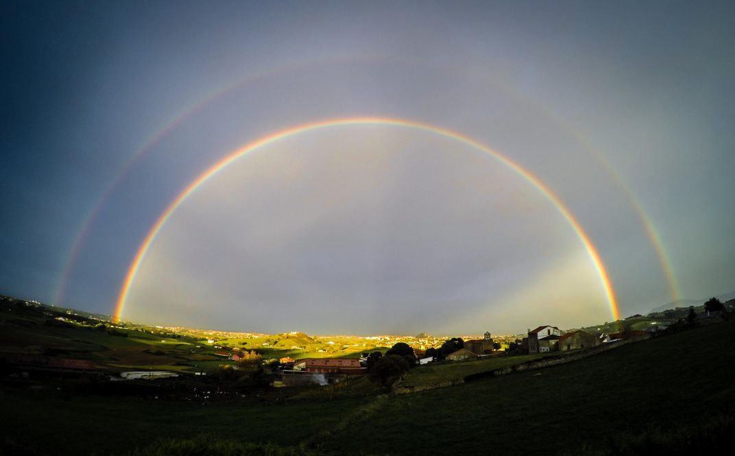 Not All Rainbows Have Every Color   Smart News   Smithsonian A double rainbow flashes its usual colors  reversed in the secondary bow   The dark area between the bows is called Alexander s band  after Alexander  of