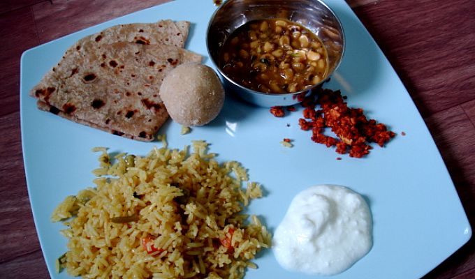 Best food to eat during pregnancy in india foodstutorial indian food recipes images menu calorie chart thali photography forumfinder Gallery