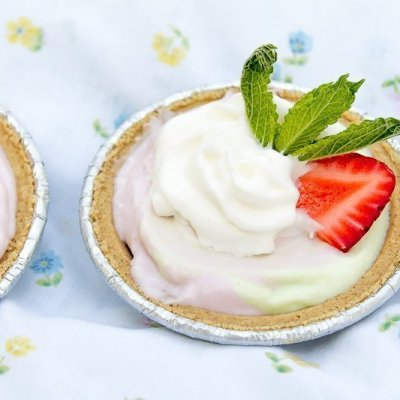 Mini Strawberry Lime Freezer Pies