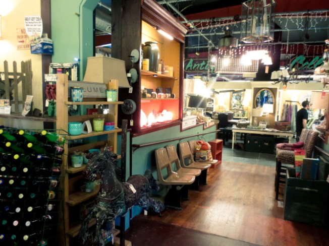 vintage market Kudzu in Decatur, Atlanta | tide and bloom