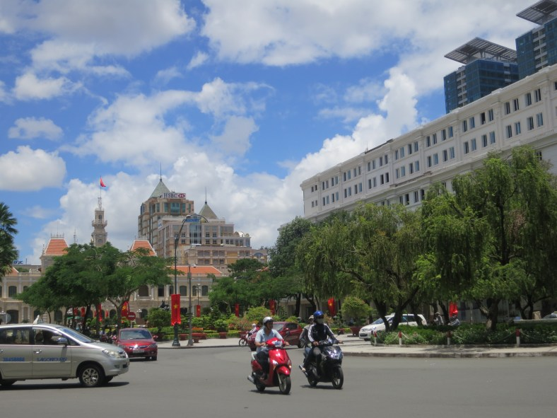 It was National Day of Vietnam, flags were everywhere./ 越南過慶日, 到處都是國旗