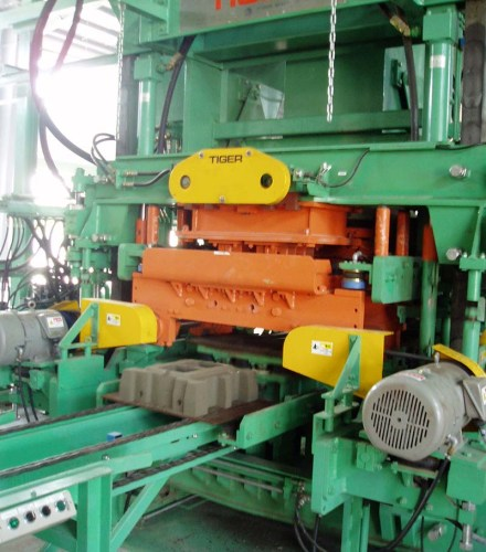 D-Series Concrete Products Machine