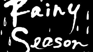 Rainy seasonの手書き文字と雫のモノトーンの正方形のラベル素材:600×600pix