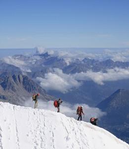 522px-Alpinistes_Aiguille_du_Midi_03