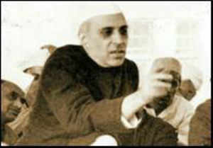 Wiki entries on Nehru family edited from NIC IP?
