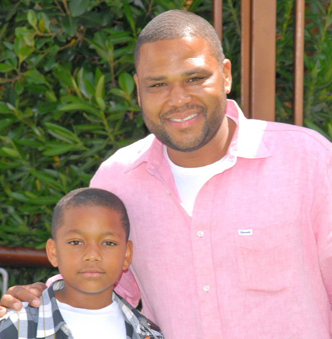 Anthony Anderson and son