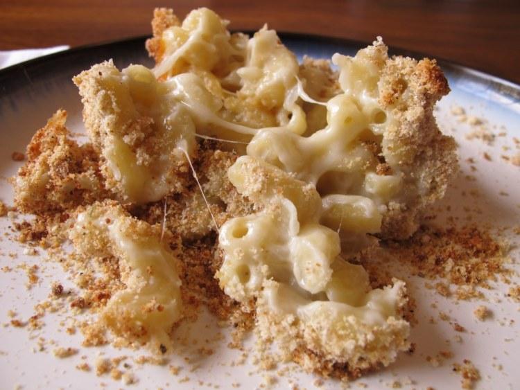 05Three_Cheese_Macaroni_and_Cheese_1024x768