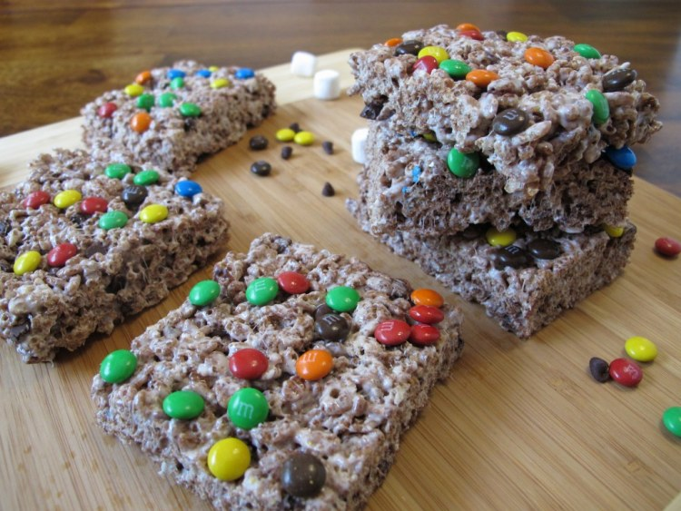 03Triple_Chocolate_Rice_Krispie_Treats_1024x768