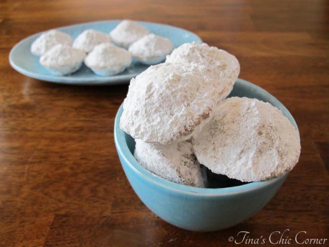 08Mini Powdered Sugar Doughnut Muffins