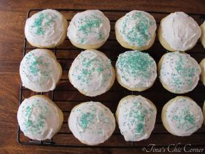 12Soft Frosted Sugar Cookies