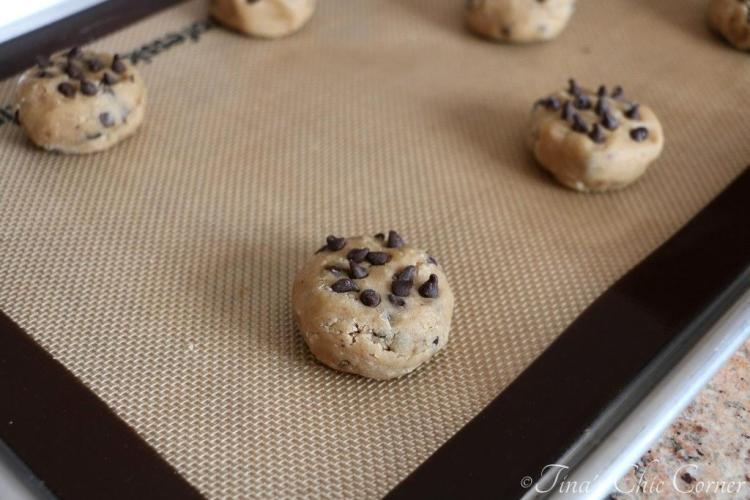 05Light Chocolate Chip Cookies